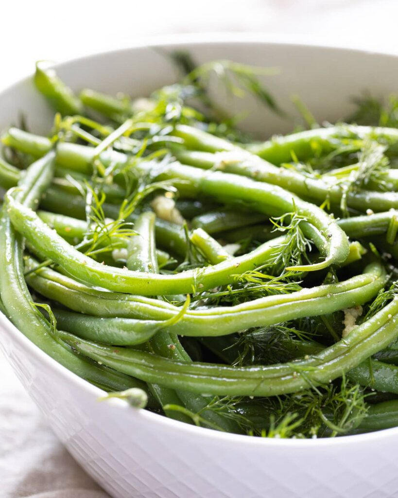 Easy Dill and Garlic Green beans in bowl
