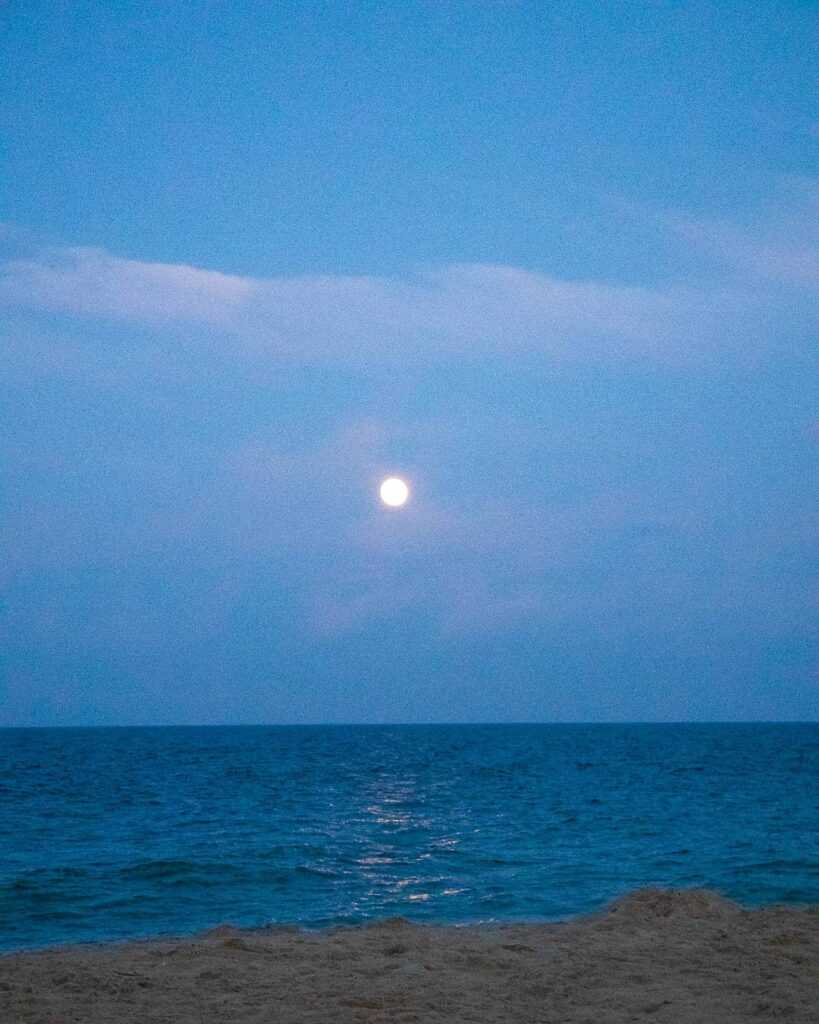full moon at the beach -15 tips for better sleep